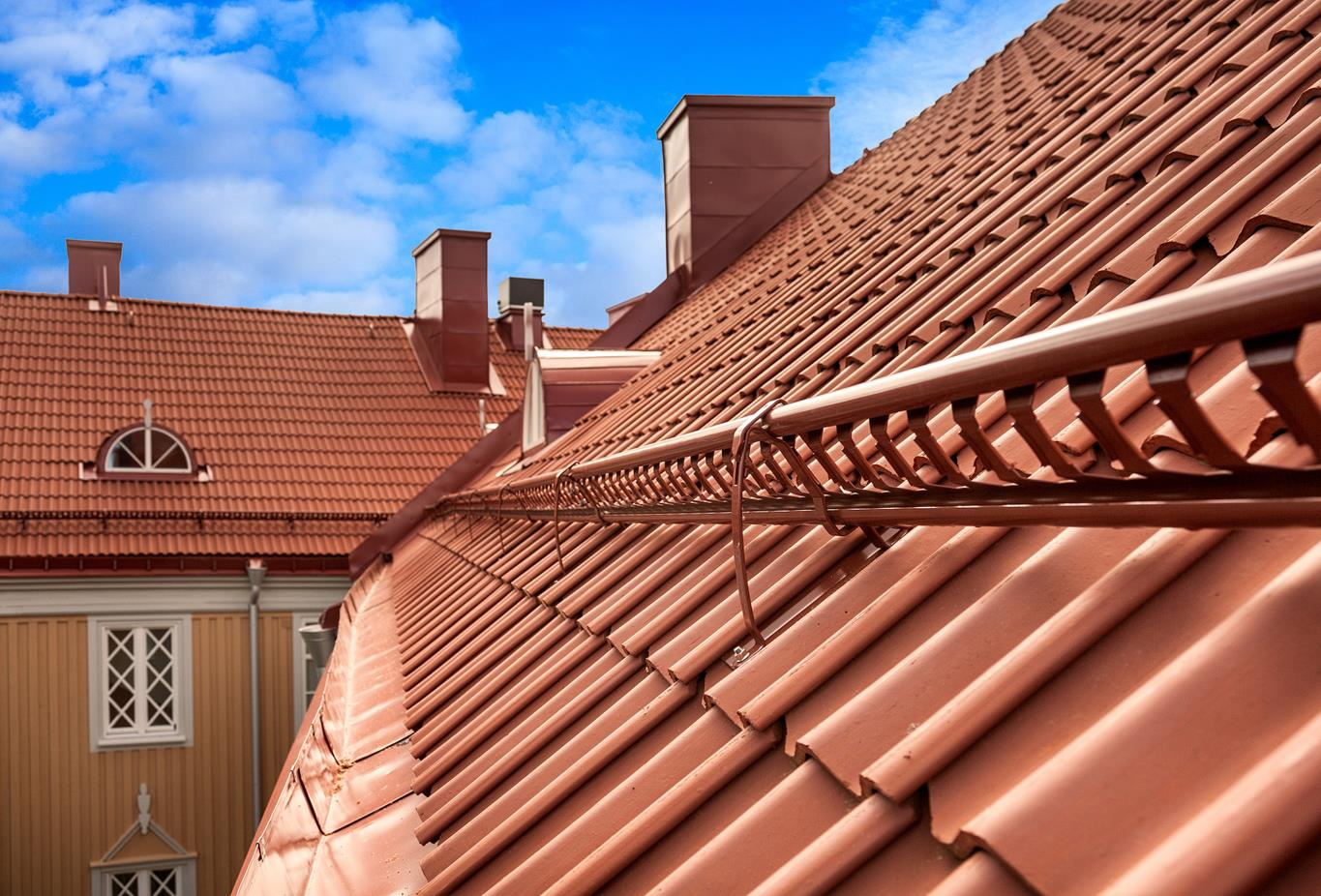 Pitched roof with clay tiles